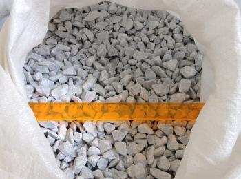 Мраморная крошка серо-голубая 10-20 мм в мешке